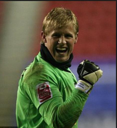 Le poing rageur et victorieux avec Leeds. (The Daily Mail)