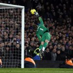 "Manchester United's goalkeeper David de Gea makes a save during their English Premier League soccer match against Chelsea at Stamford Bridge in London February 5, 2012.   REUTERS/Stefan Wermuth (BRITAIN - Tags: SPORT SOCCER) NO USE WITH UNAUTHORIZED AUDIO, VIDEO, DATA, FIXTURE LISTS, CLUB/LEAGUE LOGOS OR ""LIVE"" SERVICES. ONLINE IN-MATCH USE LIMITED TO 45 IMAGES, NO VIDEO EMULATION. NO USE IN BETTING, GAMES OR SINGLE CLUB/LEAGUE/PLAYER PUBLICATIONS. FOR EDITORIAL USE ONLY. NOT FOR SALE FOR MARKETING OR ADVERTISING CAMPAIGNS - RTR2XDA4"