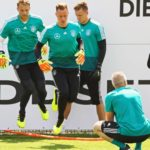 WM 2018, DFB Nationalteam Trainingslager in Eppan, Südtirol Torwart Manuel Neuer (Deutschland Germany), Torwart Bernd Leno (Deutschland Germany), Torwart Marc-Andre ter Stegen (Deutschland Germany), Torwart Kevin Trapp (Deutschland Germany) mit Torwarttrainer Andreas Koepke (Deutschland Germany) beim Torwarttraining - 28.05.2018: Training der Deutschen Nationalmannschaft zur WM-Vorbereitung in der Sportzone Rungg in Eppan/Südtirol *** Goalkeeper Manuel Neuer Germany Germany Goalkeeper Bernd Leno Germany Germany Goalkeeper Marc Andre ter Stegen Germany Goalkeeper Kevin Trapp Germany Germany with Goalkeeping coach Andreas Koepke Germany Germany in goalkeeping training 28 05 2018 Training of the German national team for the World Cup preparation in the Sportzone Rungg in Eppan South Tyrol