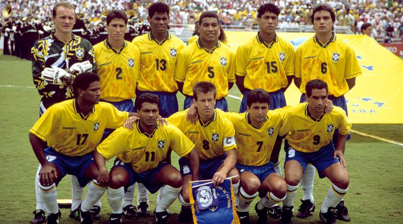 Brésil 94 et ses maillots avec imprimés - Taffarel, Jorginho, Aldair, Mauro Silva, Marcio Santos, Branco; Mazinho, Romario, Dunga, Bebeto, Zinho - Photo : FourFourtwo