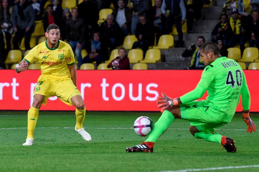 Battu par Sala lors de la 7e journée, Benítez reste marqué par le décès de son compatriote - source : SportsCenter